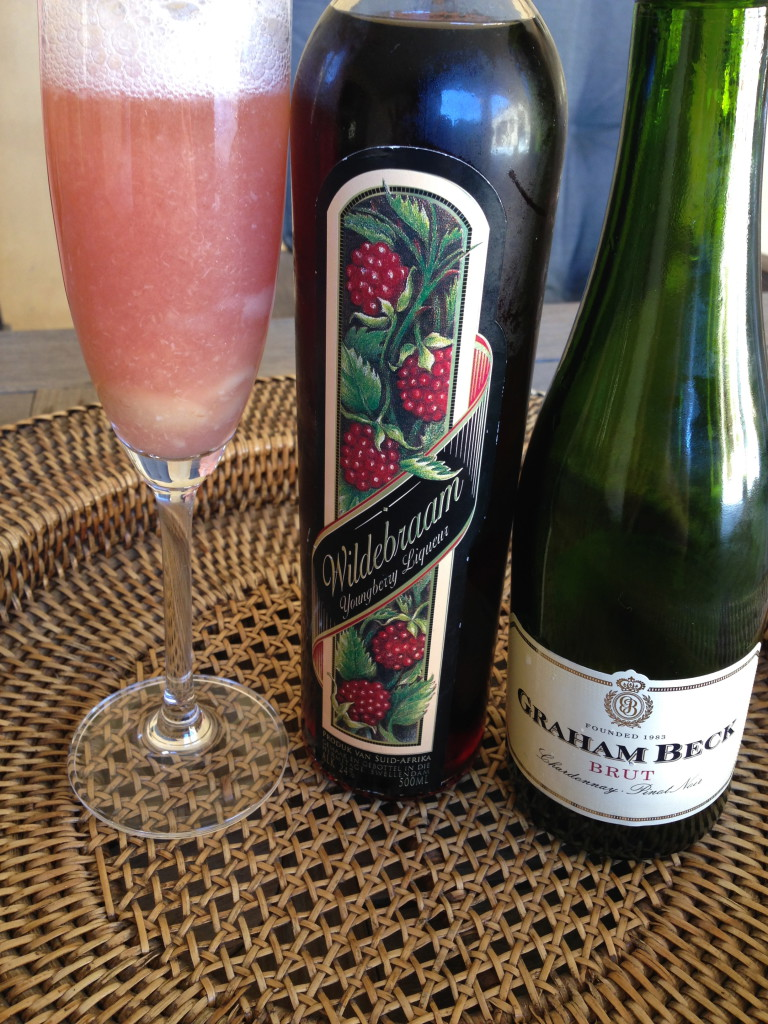 Bellini Cocktail - Italian Aperitif drink Champagne Prosecco Bubbly MCC Methode Cape Classique