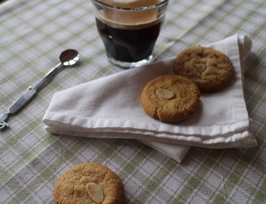 Almond cookies are delicious
