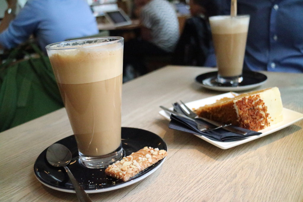 Delicious Latte Macchiato at Bar Beton, oh, and a carrot cake...