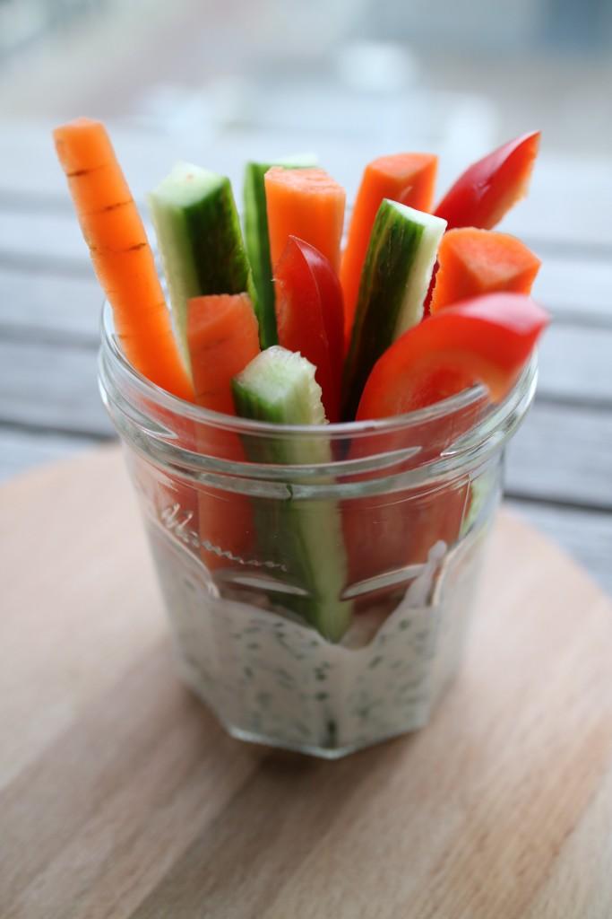Crudités vegetables with yoghurt-herb lemon dip, healthy snack