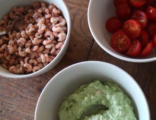 Guacamole, homemade, avocado, chili pepper, tomato, Dutch shrimps, food, recipe