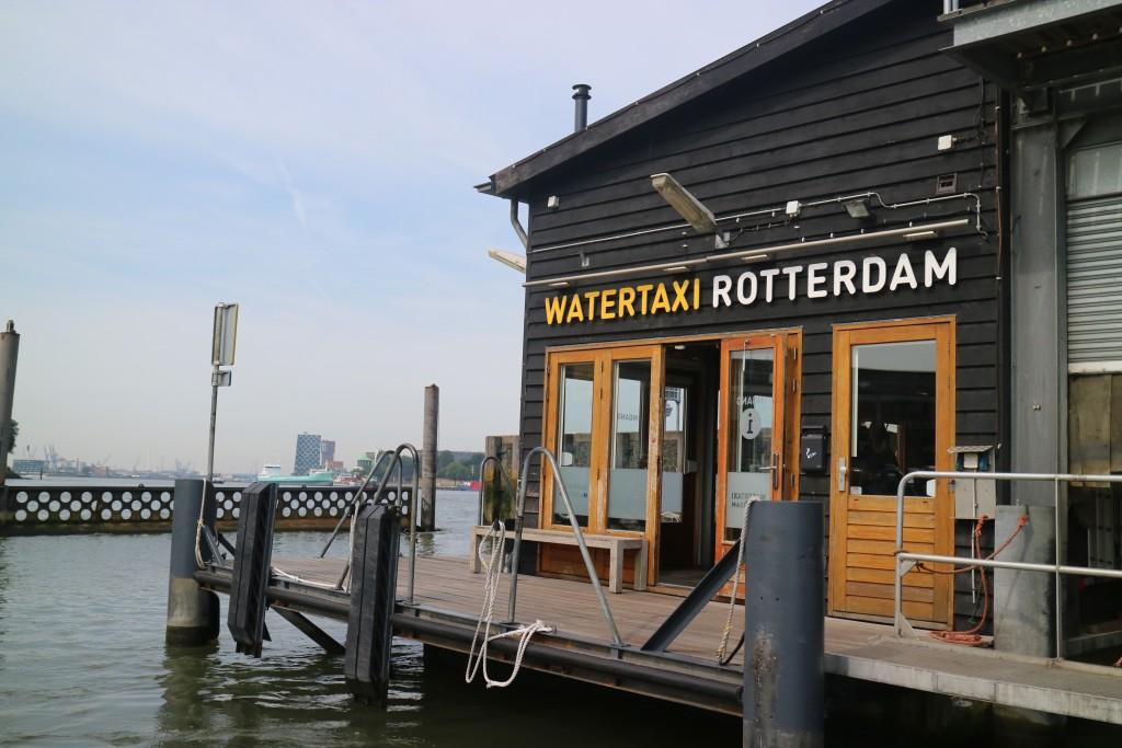 Watertaxi, Rotterdam, Nederland, Maasstad, Maas, vervoer, water, Erasmusbrug, Willemsbrug, havengebied, Hotel New York, reis & verblijf, doe & ervaar